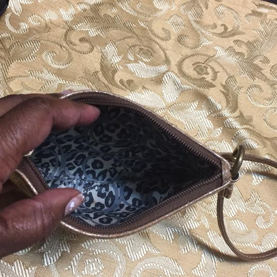 Coach Wristlet in gold Image 5