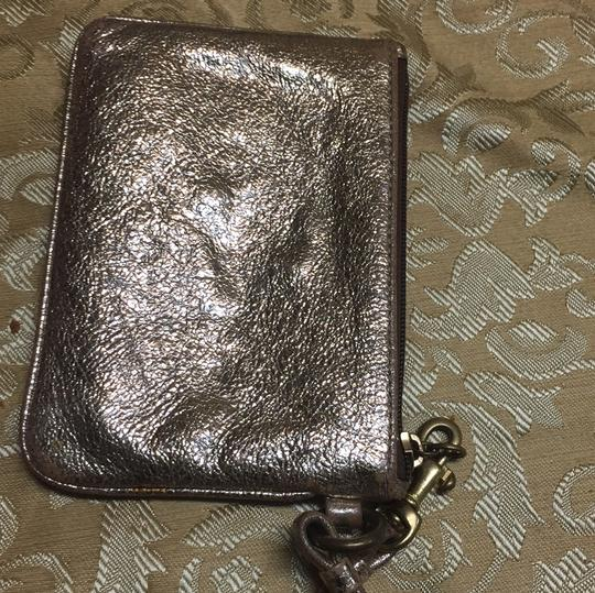 Coach Wristlet in gold Image 6