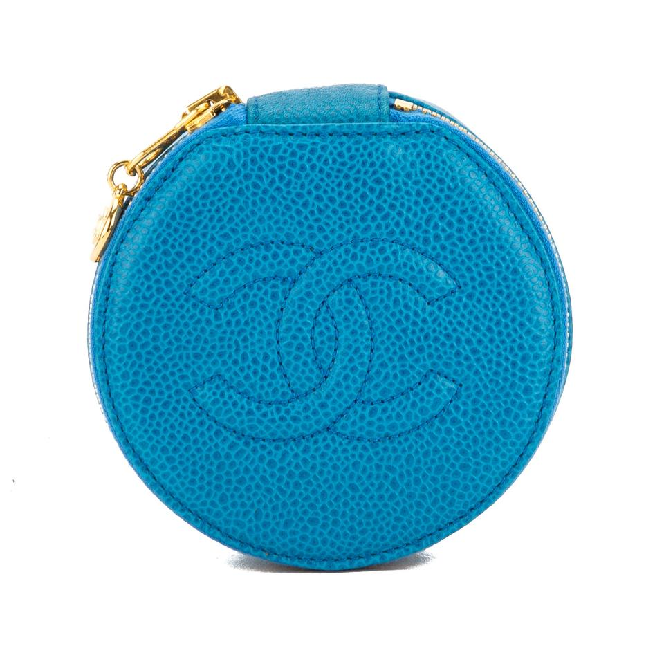 99f480c26168 Chanel Makeup Bags | Chanel Cosmetic Bags on Sale - Up to 70% off at Tradesy