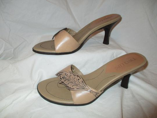Two Lips Leather Hcrh tan Sandals Image 3