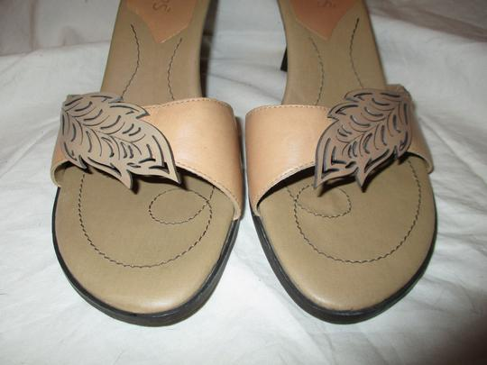 Two Lips Leather Hcrh tan Sandals Image 5