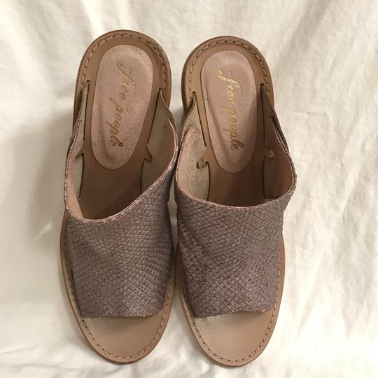Free People Leather Open Toe Snakeskin Designer Sandal Gray Beige Mules Image 1