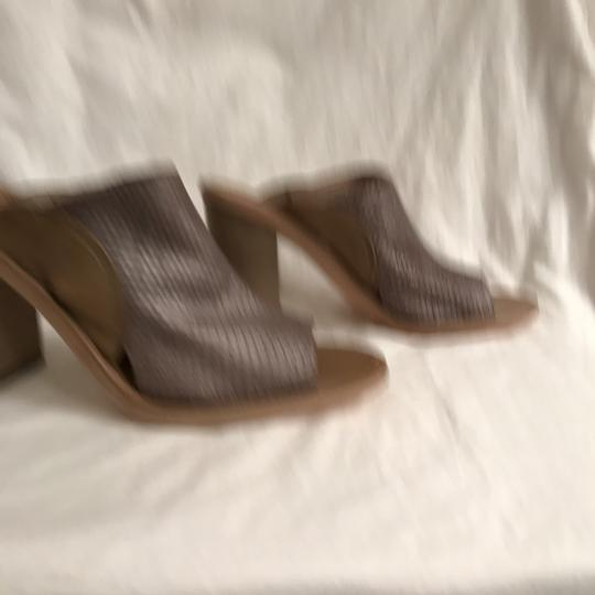 Free People Leather Open Toe Snakeskin Designer Sandal Gray Beige Mules Image 3