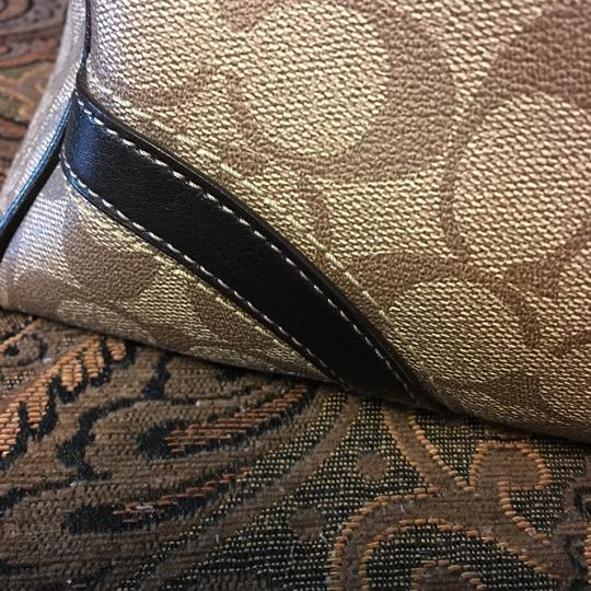 Coach Shoulder Bag Image 10