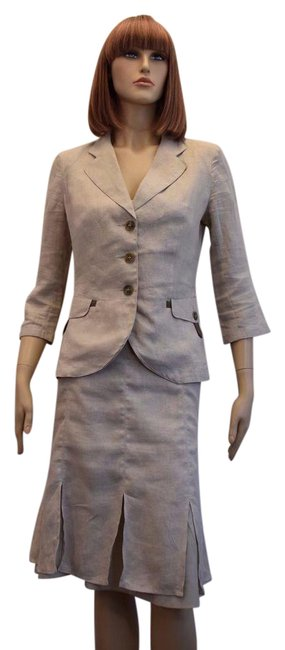 Preload https://img-static.tradesy.com/item/21748540/max-and-co-beige-linen-2pc-jacket-and-8-mk-skirt-suit-size-10-m-0-1-650-650.jpg