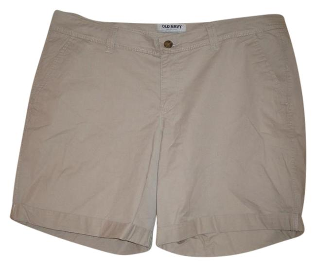 Preload https://img-static.tradesy.com/item/21749368/old-navy-khaki-beige-bermuda-shorts-size-14-l-34-0-1-650-650.jpg
