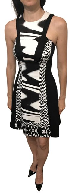 Karen Millen Black and White Geometric Style Short Casual Dress Size 2 (XS) Karen Millen Black and White Geometric Style Short Casual Dress Size 2 (XS) Image 1