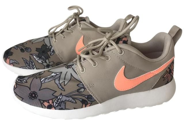Item - Coral Tan Floral Print Limited Edition Roshe One Premium Sneakers Size US 6 Regular (M, B)