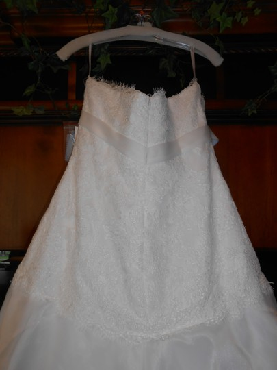 Alyce Paris Ivory Organza/Lace 7223 Caitlin Modern Wedding Dress Size 10 (M)