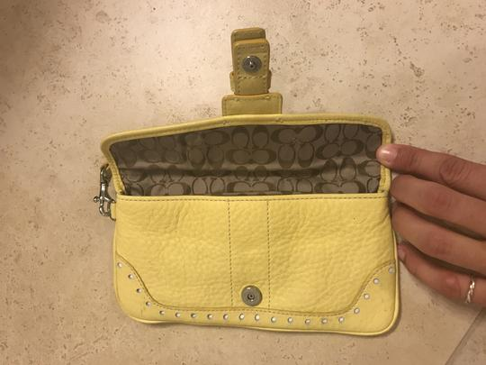 Coach Wristlet in yellow Image 2