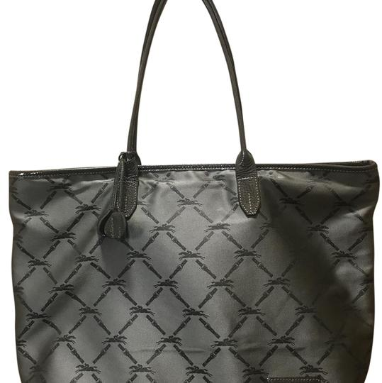 Preload https://img-static.tradesy.com/item/21766142/longchamp-gray-nylon-tote-0-1-540-540.jpg