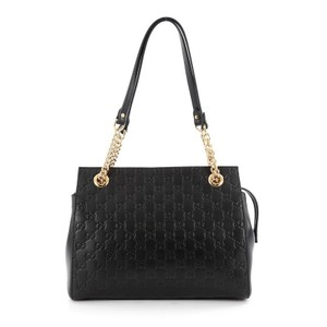 98a5145e6 Added to Shopping Bag. Gucci Leather Shoulder Bag. Gucci Soft Signature  Guccissima Medium Black ...