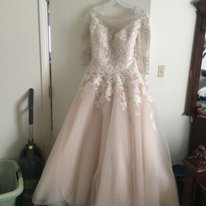 Allure Bridals Blush Pink/Champagne Tulle On Bottom/Lace Like Material Flowers On Top 32828 Feminine Wedding Dress Size 16 (XL, Plus 0x)