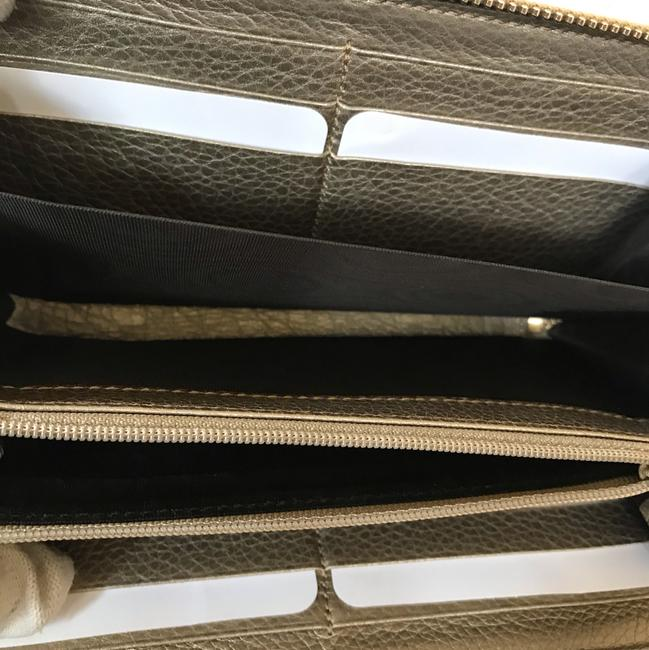 Gucci Gold Leather Zip Around Wallet Gucci Gold Leather Zip Around Wallet Image 6