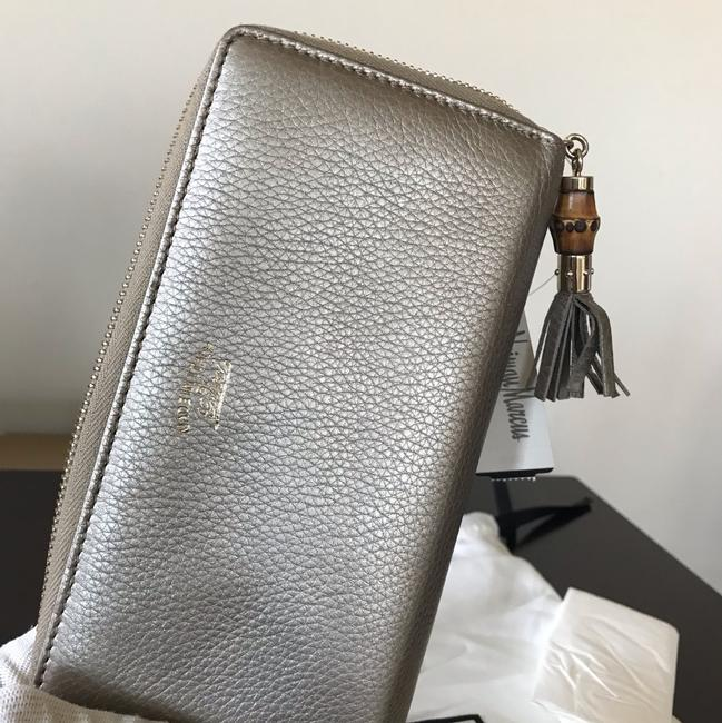 Gucci Gold Leather Zip Around Wallet Gucci Gold Leather Zip Around Wallet Image 9