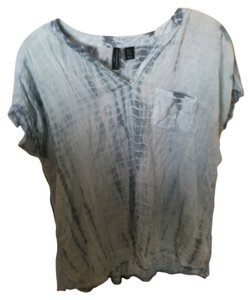 Cynthia Rowley Soft Front Pocket Flowey Top blue tie dye