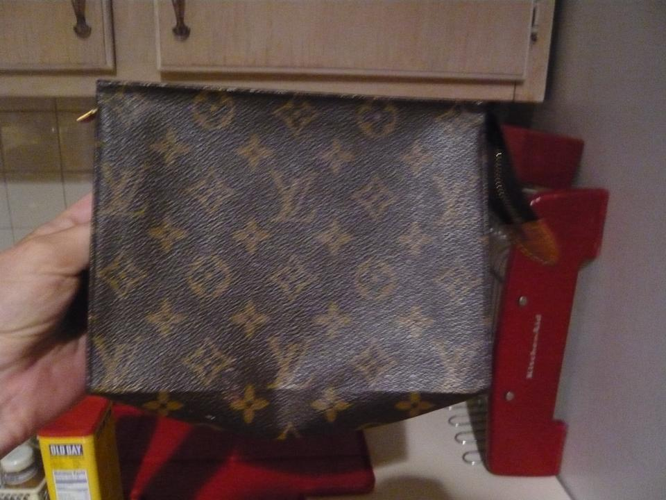41cdf878500f Louis Vuitton Louis Vuittion Monogram Toiletry Pouch 19 Image 0 ...