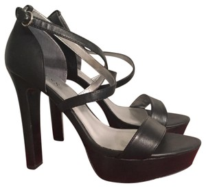 Guess Leather Heels Platform Sexy Size 8.5 black Sandals