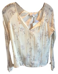 Beyond Vintage Top cream floral