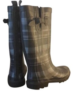 Capelli New York Grey and Pink Plaid Boots
