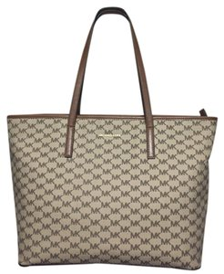 Michael Kors Gucci Dakota Johnson Tote in Natural