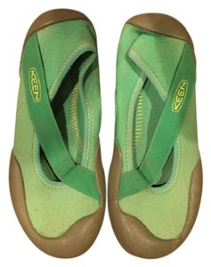 02aaab04d516 Women s Green Keen Shoes - Up to 90% off at Tradesy