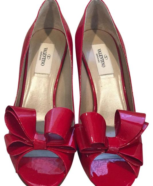 Item - Red Couture Bow Pumps Size EU 38.5 (Approx. US 8.5) Regular (M, B)