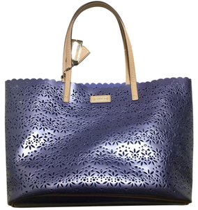 Coach Tote in iridescent blue