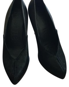 LD Tuttle black Pumps