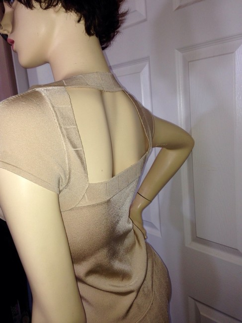 Cache Top Nude