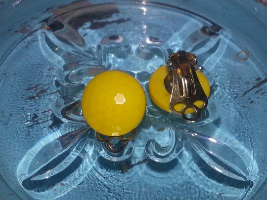 Vintage *Rare* Vintage Yellow Clip-On Button Earrings