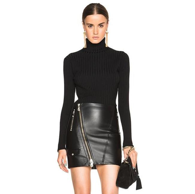 Preload https://img-static.tradesy.com/item/21794778/versus-versace-black-leather-skirt-size-2-xs-26-0-6-650-650.jpg