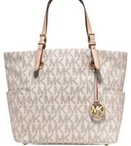 Michael Kors Tote in off white and silver