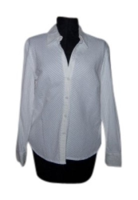 Preload https://item5.tradesy.com/images/new-york-and-company-white-micro-pleated-puckered-blouse-button-down-top-size-14-l-21799-0-0.jpg?width=400&height=650