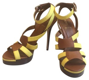 Fendi yellow and brown Pumps