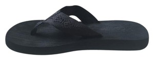 Reef Summer Beach Surfer Black Sandals