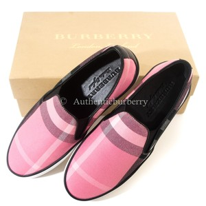 Burberry London rose pink Athletic
