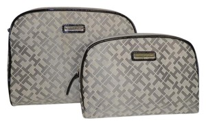 Tommy Hilfiger Tommy Hilfiger Set of 2 Gray Cosmetic Cases