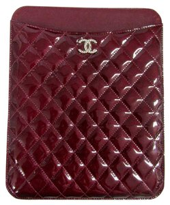 Chanel NWT CHANEL QUILTED TABLET IPAD CASE BRILLIANT CC PATENT RARE LIGHT
