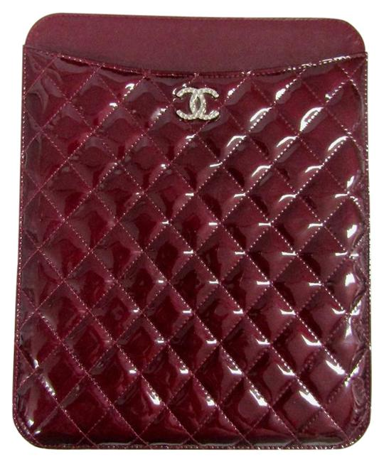 Item - Burgundy Quilted Tablet Ipad Case Brilliant Cc Patent Tech Accessory