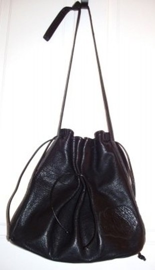 Preload https://item1.tradesy.com/images/carlos-falchi-vintage-black-leather-tote-21805-0-0.jpg?width=440&height=440