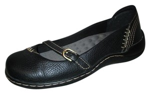 Bare Traps Leather Mary Jane black Flats