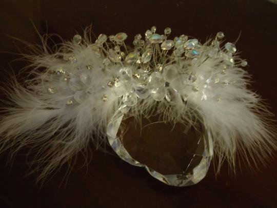 Preload https://img-static.tradesy.com/item/21810012/white-clear-silver-headpiece-feathers-crystals-rhinestones-hair-accessory-0-0-540-540.jpg