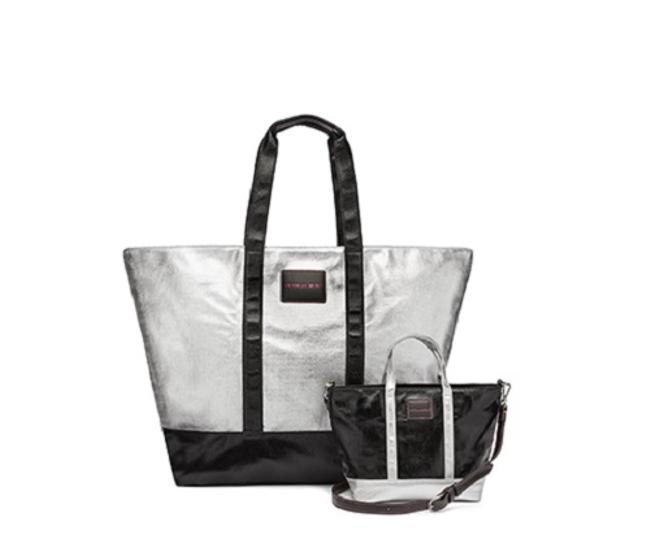 Item - Crossbody And Matching Purse Metallic Silver & Black Canvas Weekend/Travel Bag