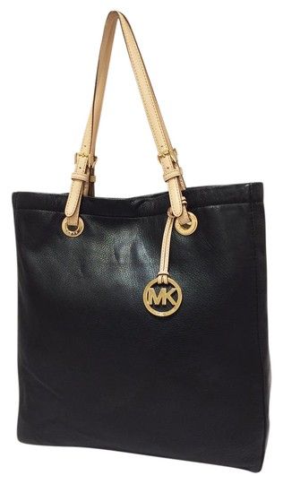 Preload https://img-static.tradesy.com/item/21817443/michael-michael-kors-jet-set-north-south-black-leather-tote-0-1-540-540.jpg