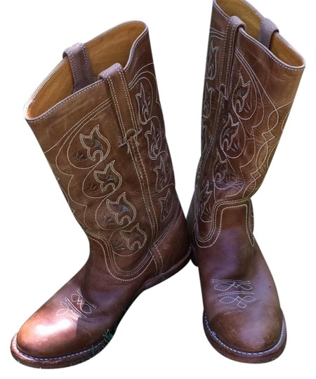Preload https://img-static.tradesy.com/item/21817561/frye-light-saddle-tan-with-cut-out-floral-design-bootsbooties-size-us-8-regular-m-b-0-1-540-540.jpg