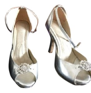 Angela Nuran Starletta Wedding Shoes