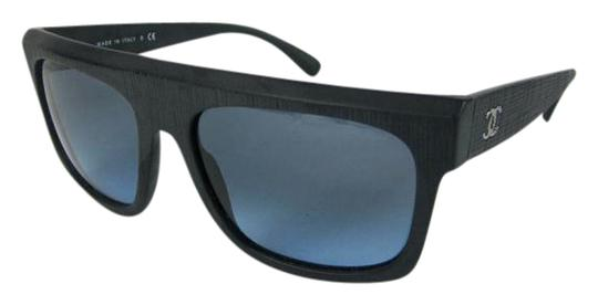 Preload https://img-static.tradesy.com/item/21818560/chanel-dark-navy-blue-and-cc-logo-h-sunglasses-0-1-540-540.jpg