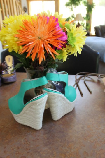 Kiss & Tell bright kelly green Wedges Image 2