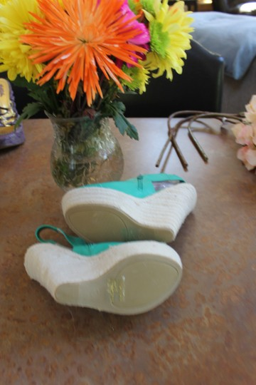 Kiss & Tell bright kelly green Wedges Image 3